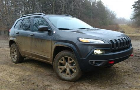 best jeep for roading 5 reasons why the 2017 jeep trailhawk is the best