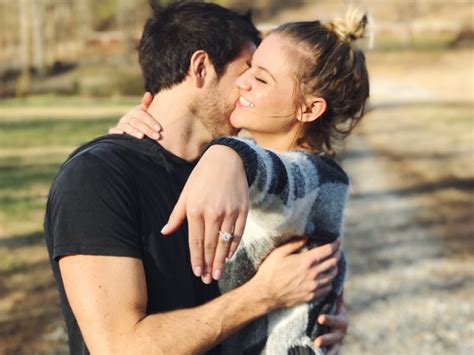 Or With Boyfriend Kelsea Ballerini Gets Engaged To Boyfriend Nash Country Daily