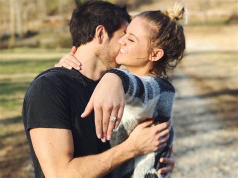 kelsea ballerini gets engaged to boyfriend