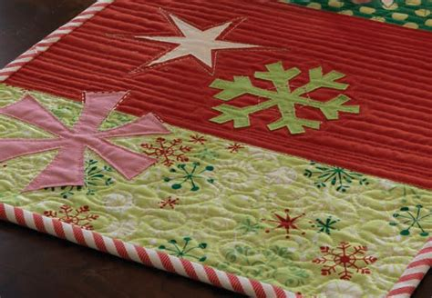 google christmas tree shop kitchen table runners not xmas handmade decorations decor 5 free quilting patterns the