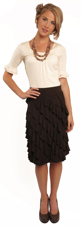 diagonal ruffle skirt in brown