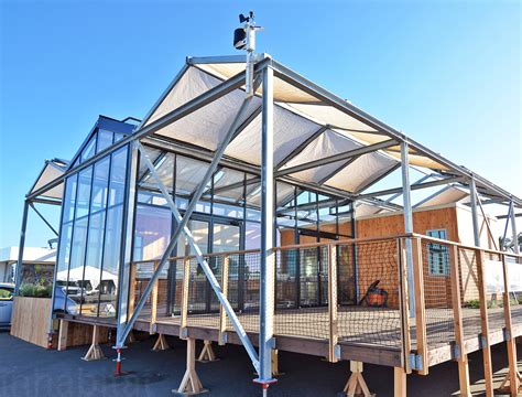 solar technology for homes 8 amazing homes that are 100 powered by the sun
