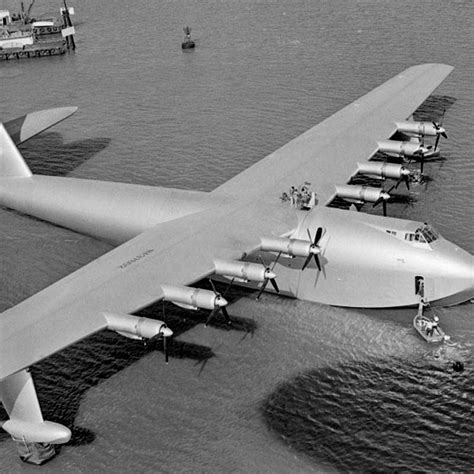 flying boat hughes aircraft november 2nd 1947 aviation pioneer howard hughes 200