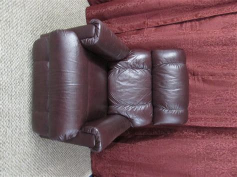 clean leather recliner lot detail leather lazyboy recliner