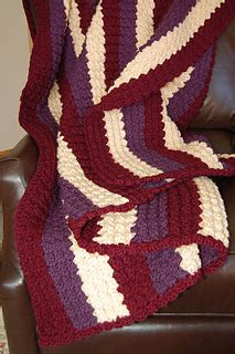 Pasmina Buble Zigzag ravelry blanket pattern by pretty and practical patterns