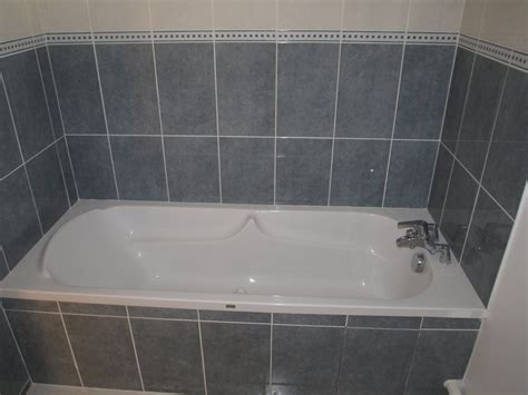 how to put in a bathtub how you can keep your bathroom tub clean with less hassle