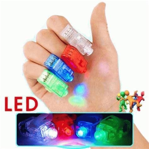 1 Pak Isi 4 Pcs Led Finger Laser Beam Light Magic Lu Disco Souven mainan lu laser dhian toys