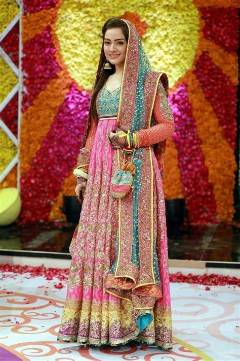 design dress 2017 pakistan new mehndi dresses 2017 for bride by pakistani designers