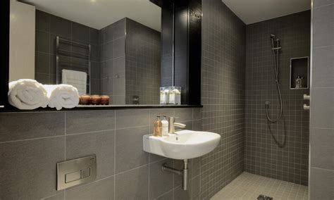 Bathroom Tiling Ideas Pictures by Bathroom And Cloakroom 328 Estates