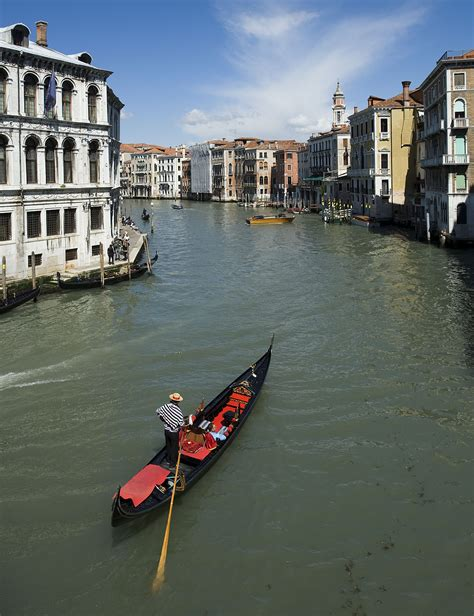 what are the boats in venice called gondola wikipedia