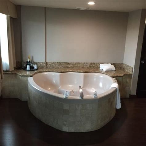 heart shaped bathtub fullerton pictures featured fullerton photos tripadvisor
