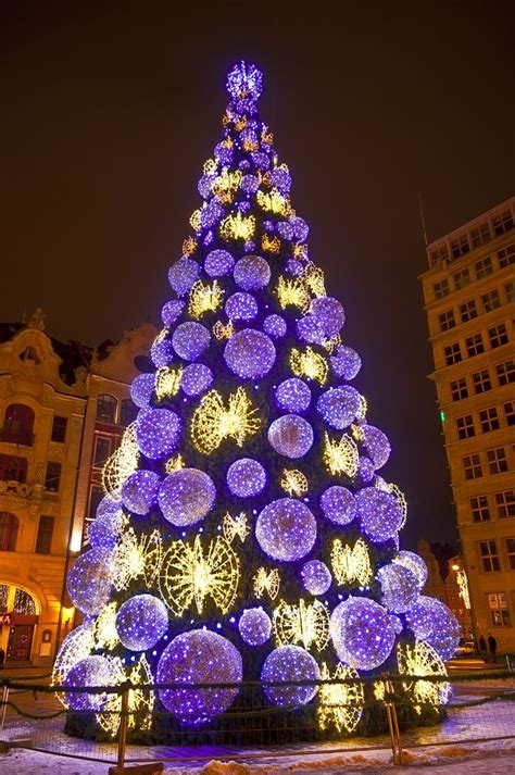 christmas tree lovoo weird christmas trees pinterest