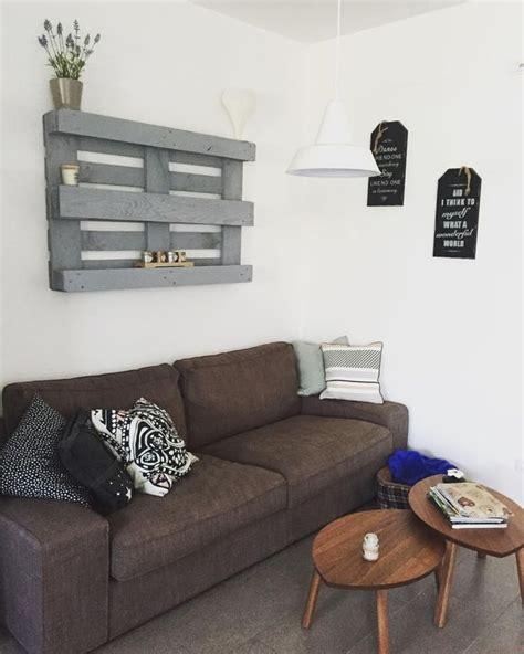 pareti con mensole 17 migliori idee su decorare una parete su