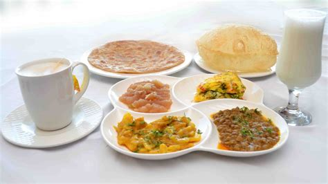 breakfast pics pakistani breakfast the monal restaurant