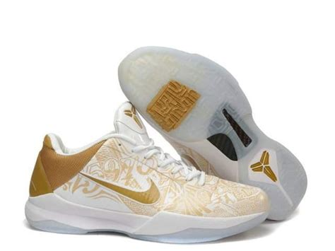 sick nike basketball shoes pin by tyce rogers on sick basketball shoes