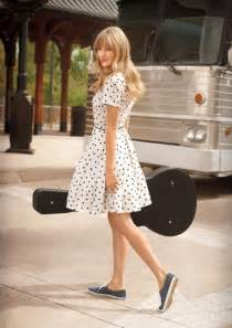 Wedding Shoes Keds Shoes For Life They Wore It Too Taylor Swift In Keds Champion Sneakers