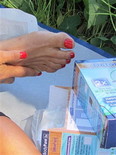 Does Foot Detox Work by Pictures Do Detox Foot Patches Really Work
