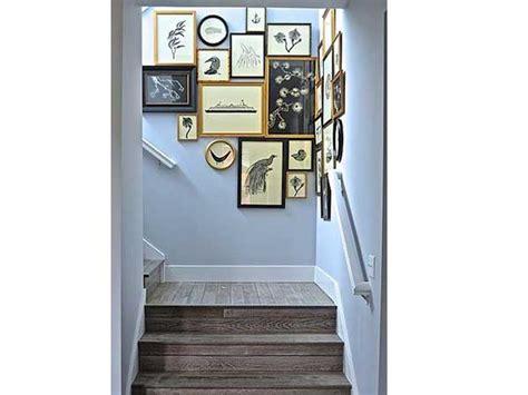 Exceptionnel Deco Cage D Escalier #1: cage-descalier-en-bois-avec-une-peinture-bleue-pastei.jpg