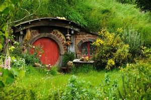 hobbit hole house hobbit home dinner party offers precious movie