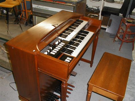 hammond organ page retro electronics