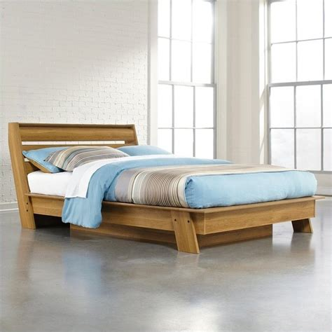 oak queen bed features