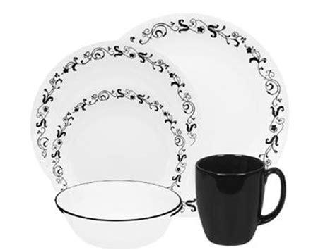 black pattern dinner set corelle 20 pc garden getaway dinnerware set black leaf