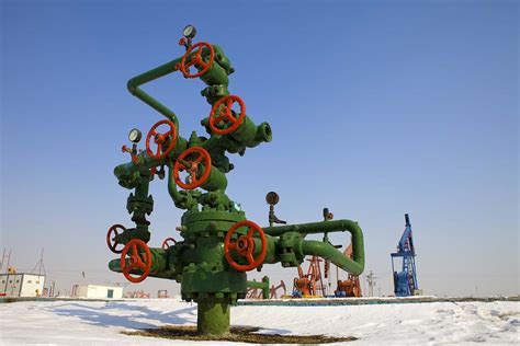 what is christmas tree in oil and gas liming me