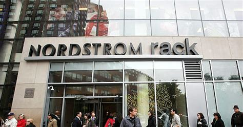 Nordstrom Rack Flushing Ny by Nordstrom Rack Joins Nyc S Best Outlet Stores Ny Daily News