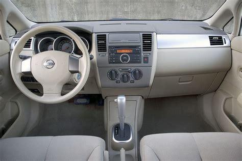 nissan versa interior 2007 2007 nissan versa specs pictures trims colors cars com