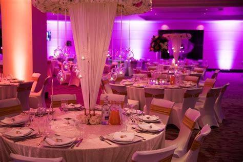 table dressing table centre pieces showcase weddings