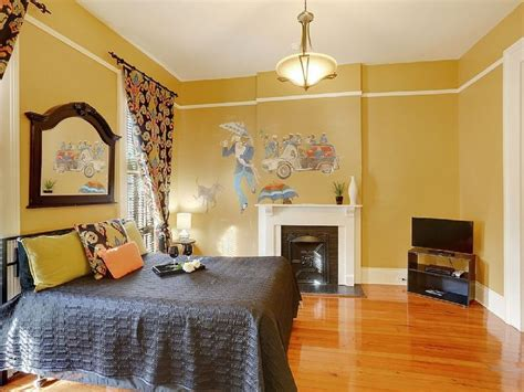 Yellow Painted Bedrooms by Best 25 Yellow Master Bedroom Ideas On Yellow