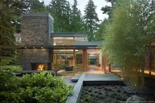 midcentury modern house mid century modern home with a nature backdrop