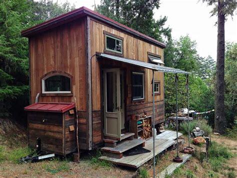 small cabin solar systems small solar houses floor plans visiting colin s coastal cabin