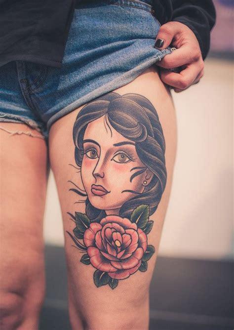 美女大腿部漂亮的纹身图案