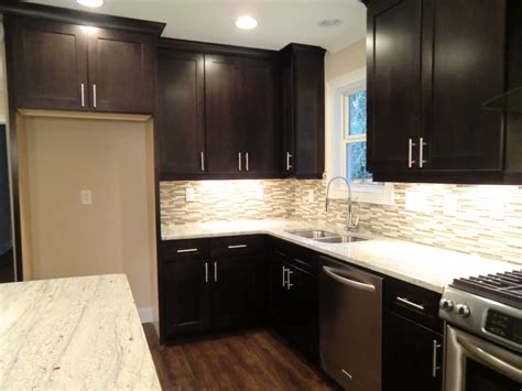 Cabinets To The Ceiling by Cabinets To The Ceiling And Undercabinet Lighting
