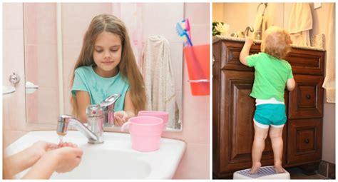 kinderwaschtisch badewanne kinderwaschbecken f 252 r badewanne kinderwaschbecken f r