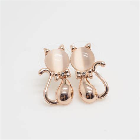 gold cat earrings animal earrings earrings