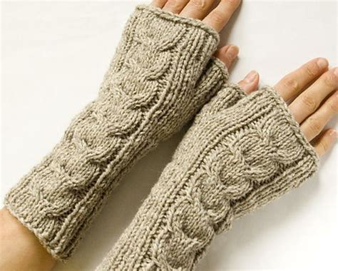 knitting patterns for fingerless gloves with mitten cover 25 best ideas about fingerless mittens on
