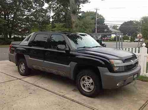 how make cars 2002 chevrolet avalanche 1500 parking system sell used 2002 chevrolet avalanche 1500 base crew cab pickup 4 door 5 3l in deer park new york