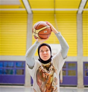 women in sport fifty islam in europe germany sports clubs seek to attract young muslim women