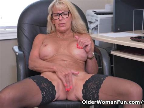 Canadian Milf Bianca Masturbates At The Office Free Porn