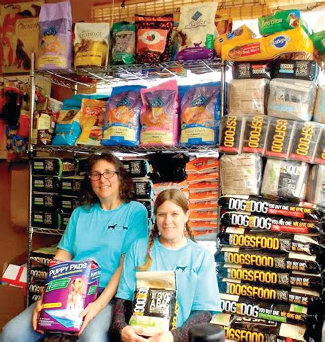Free Pet Food Pantry by Food Pantry Offers Free Kibble To Struggling Families With