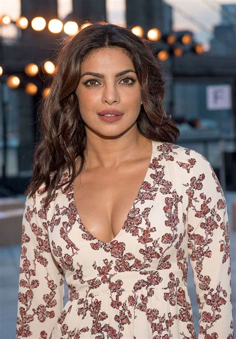 priyanka chopra in fashion priyanka chopra thakoon show at 2016 new york fashion