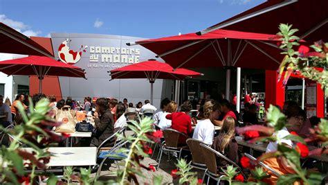 restaurant fast food comptoirs du monde parc du futuroscope
