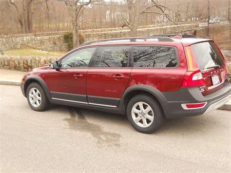 purchase   volvo xc  wagon  door   natick massachusetts united states