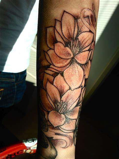 flower tattoo on upper arm 22 lotus tattoos on upper arm