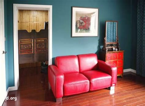 red sofa what color walls red couch blue wall apartment inspiration pinterest