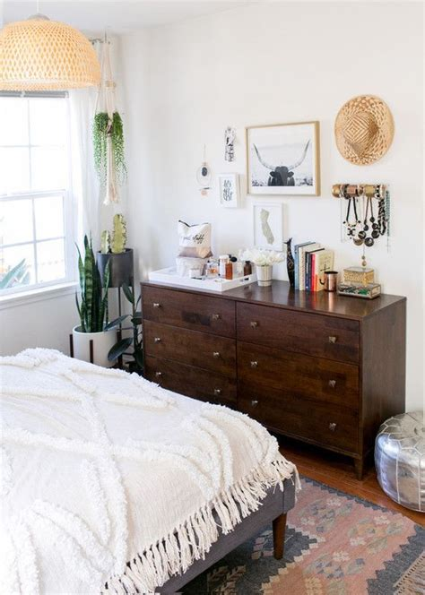 bedroom and more 25 best ideas about brown bedrooms on pinterest brown master bedroom bedroom color schemes