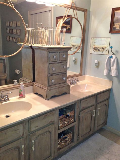 Chalk Paint Bathroom Cabinets Bathroom Vanity Makeover With Sloan Chalk Paint