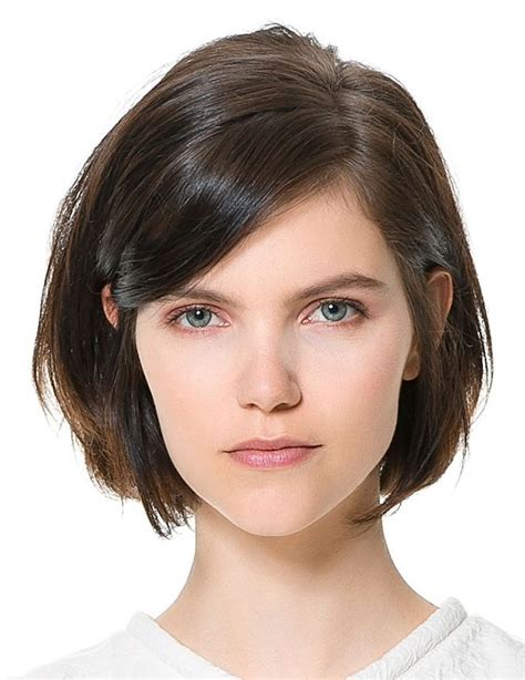 hair styles for protruding chin haircuts that take off years a chin length cut gives off